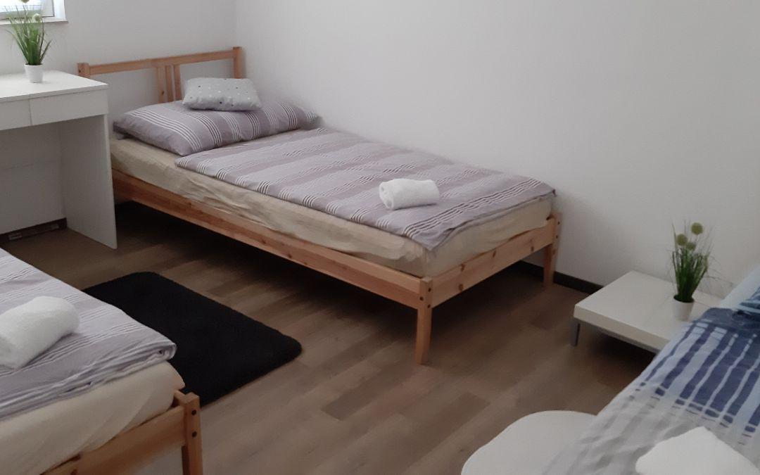 Apartman Toby, G. Karin